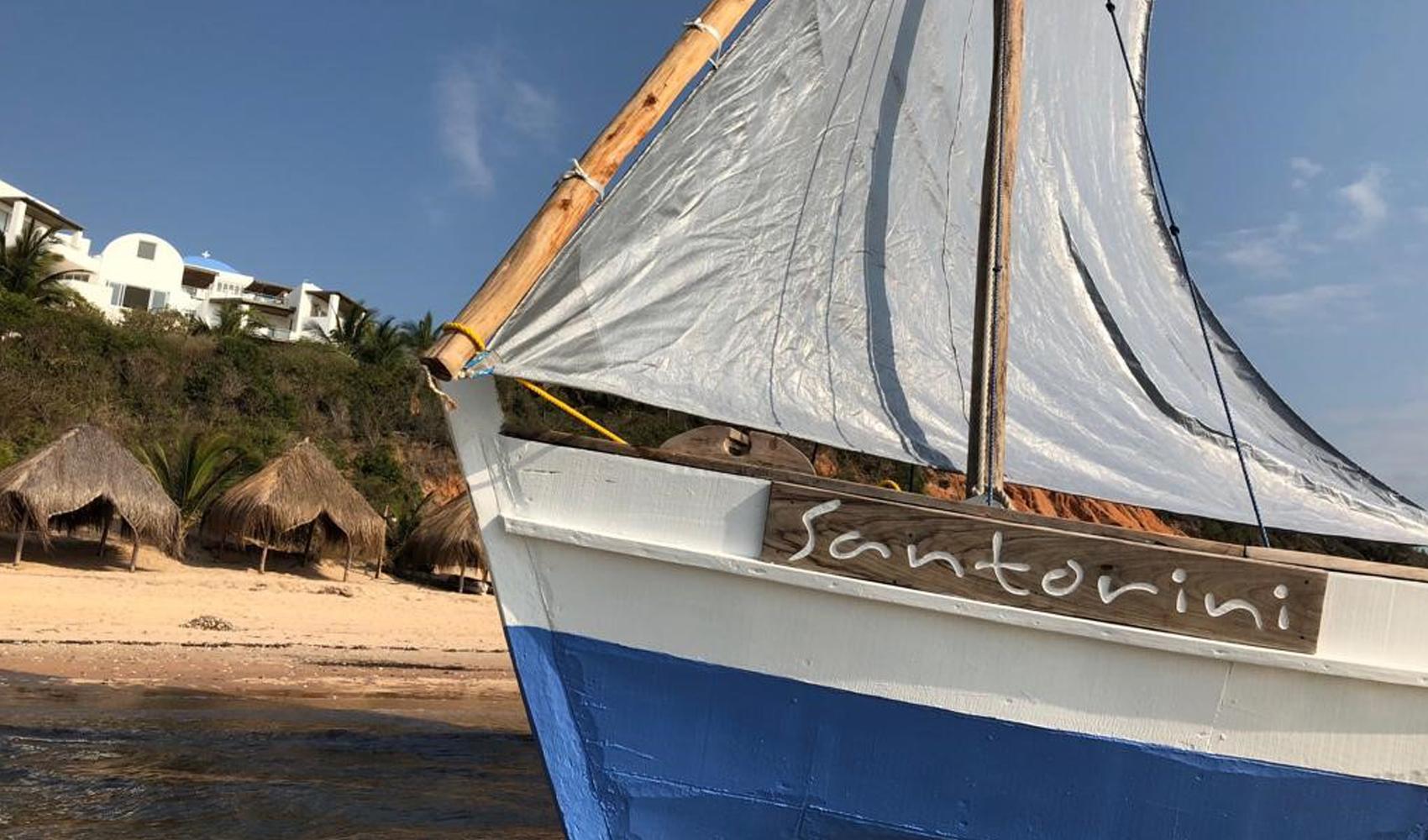 Santorini_Dhow