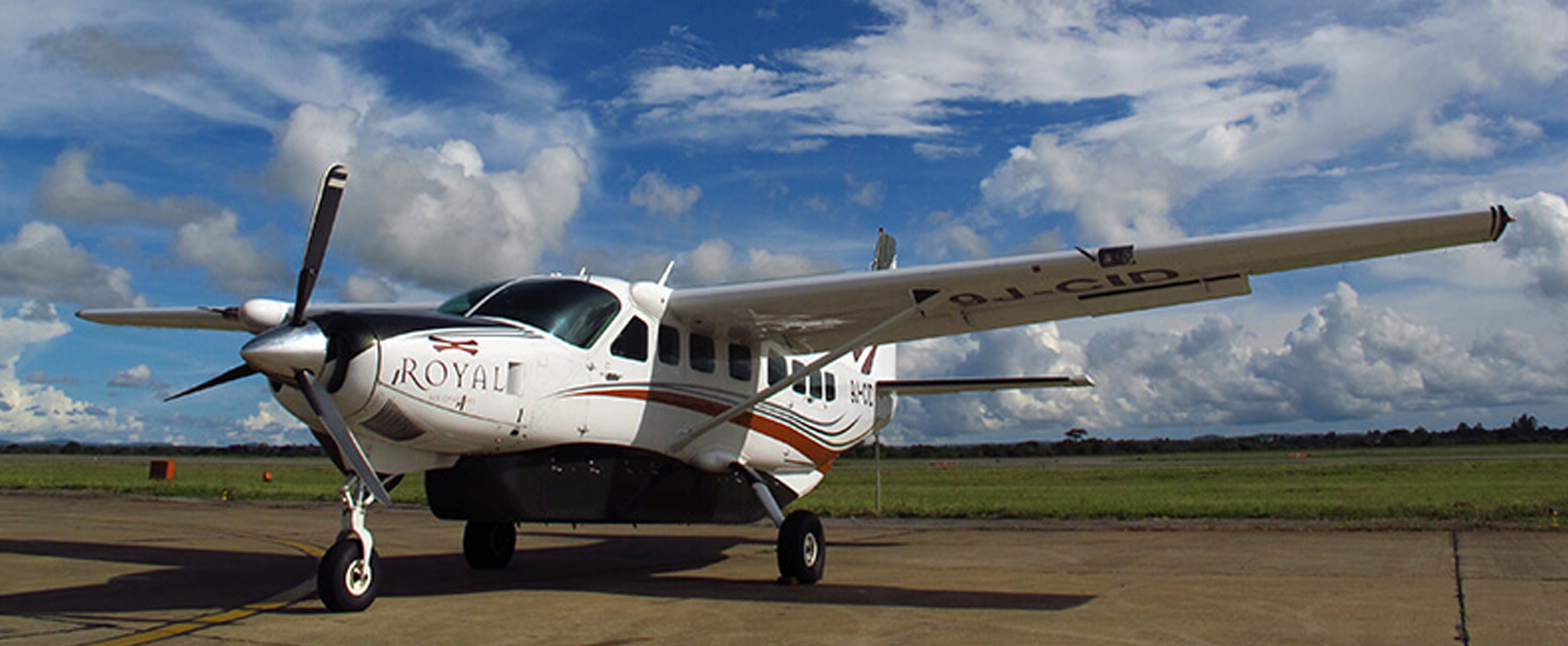 Royal_Zambezi_Lodge-Launches_flights