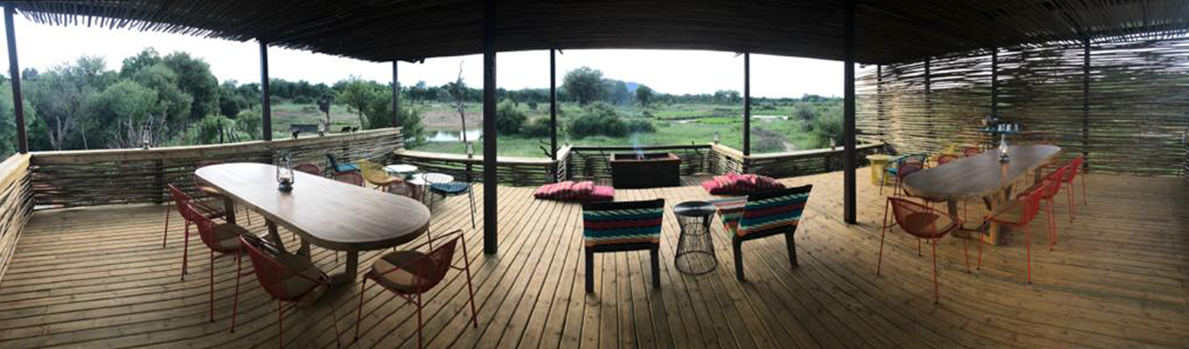 Jaci's_Lodges_new_view_deck